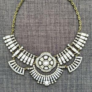 Jewelmint Ivory Art Deco Statement Necklace (NWB)